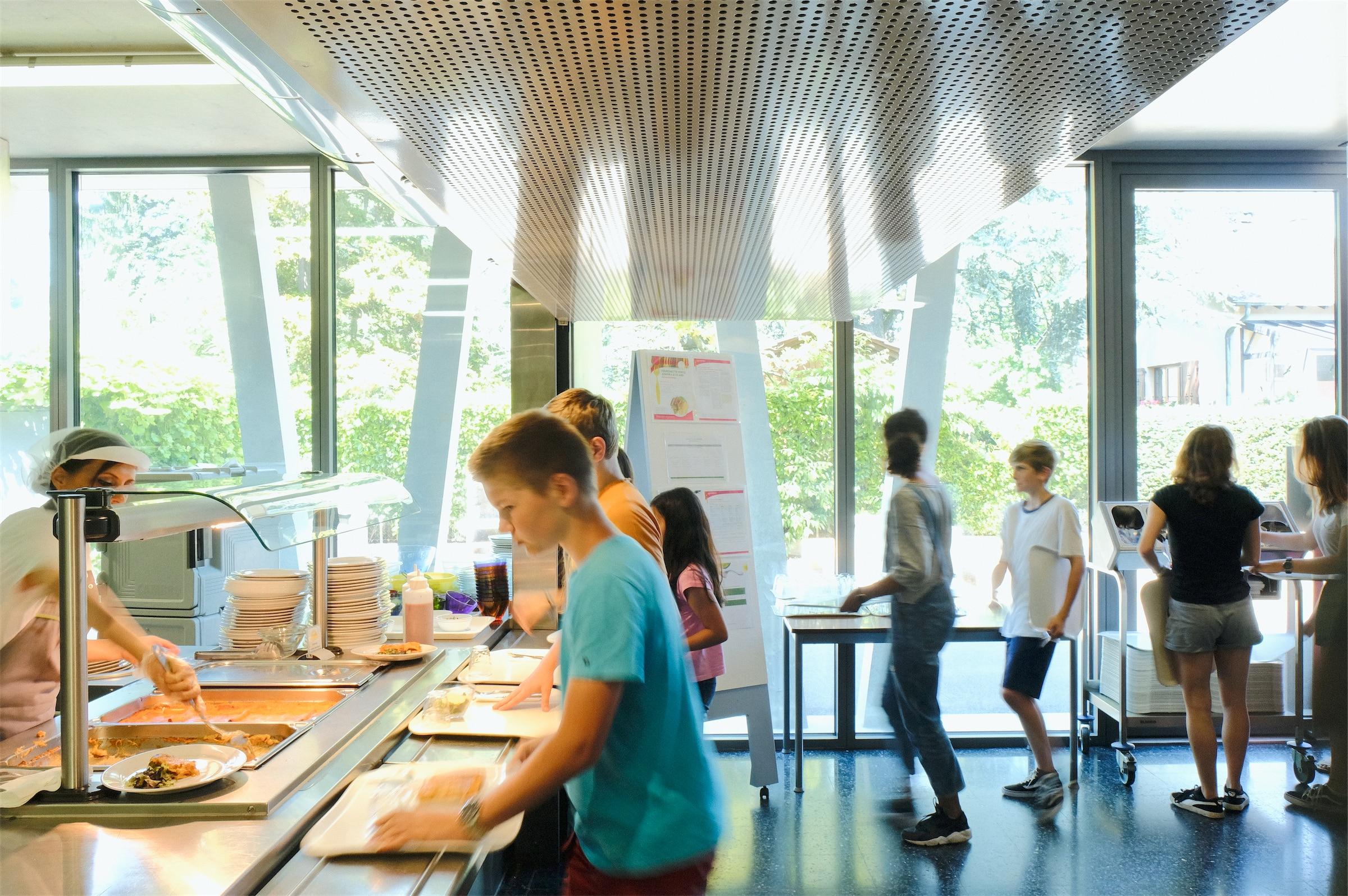 14_Deutsche-Schule_Reportage_DLR - DSG